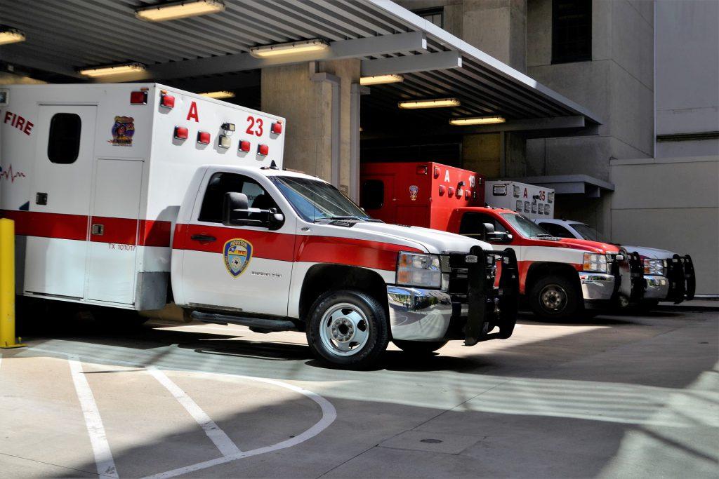 bystanders perform CPR